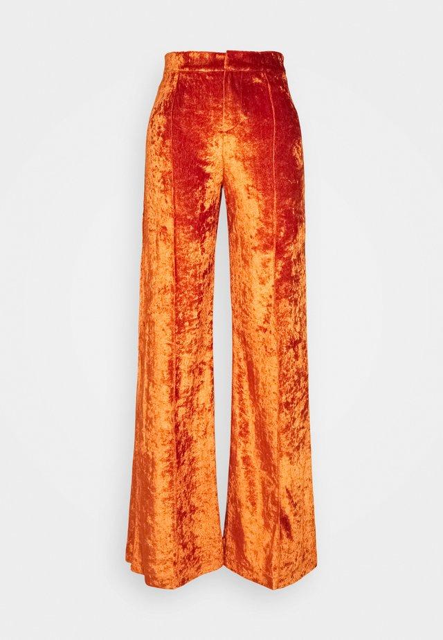 SITA PANTS - Pantaloni - cinnamon