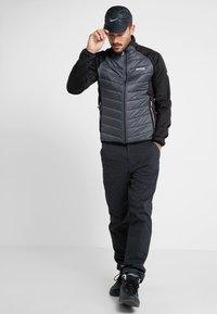 Regatta - BESTLA HYBRID - Outdoor jacket - black/magnet - 1