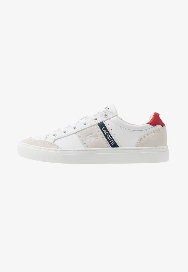 COURTLINE - Baskets basses - white/navy/red