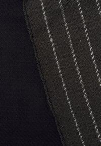 Burton Menswear London - PINSTRIPE SCARF - Scarf - grey - 2