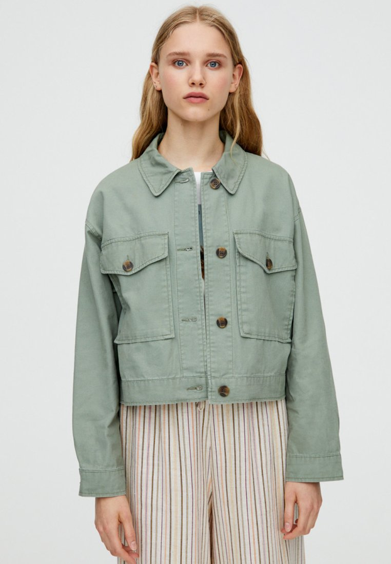 PULL&BEAR - MIT TASCHEN - Summer jacket - khaki