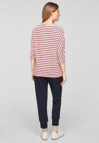 s.Oliver - Longsleeve - red stripes - 2