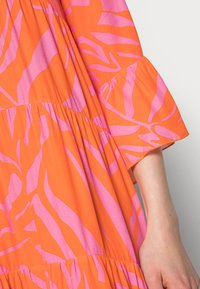 Emily van den Bergh - Day dress - orange/pink - 4
