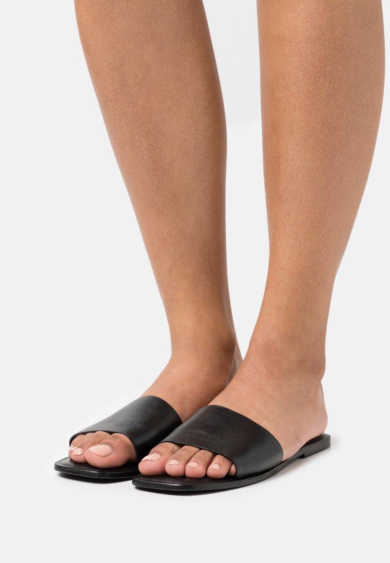 Vero Moda - VMSIA - Mules - black