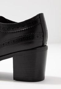 UMA PARKER - Ankle boots - nero - 2
