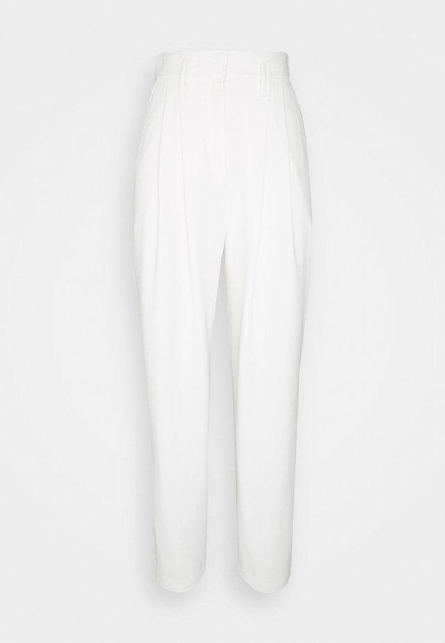 REXO TROUSERS - Pantalon classique - ecru