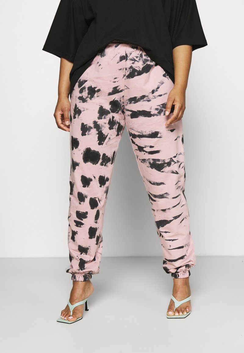 Missguided Plus - TIE DYE - Tracksuit bottoms - pink