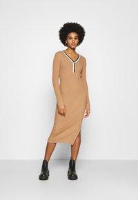 Morgan - MULLY - Jumper dress - camel - 0