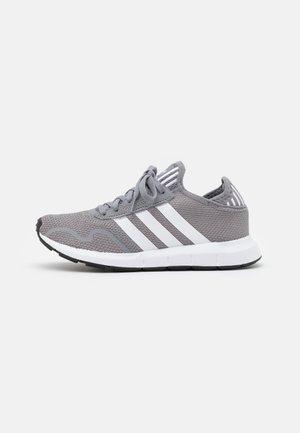 SWIFT RUN X UNISEX - Trainers - grey three/footwear white/core black