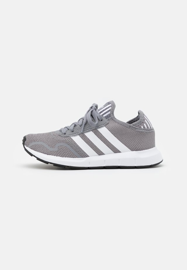 SWIFT RUN X UNISEX - Trainers - grey three/footwear white/core black