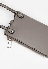 Seidenfelt - Phone case - mid grey - 2