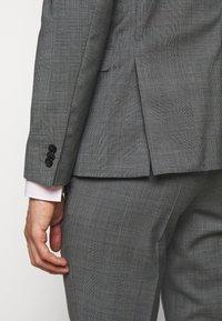 HUGO - ARTI HESTEN - Suit - medium grey - 7