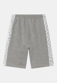 Converse - CHECKER BLOCKED UNISEX - Shorts - dark grey heather - 1
