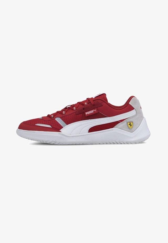 Trainers - rosso corsa-p white-p white