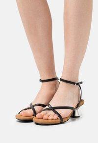 Proenza Schouler - VASE STRAPPING  - Sandals - black - 0