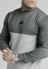 SIKSILK - ARC TECH FADE CREW - Sweater - grey marl - 3