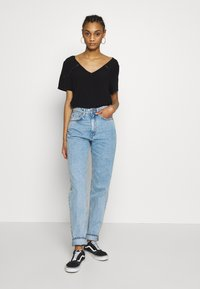 Weekday - LASH - Relaxed fit jeans - summer blue - 1