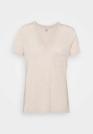 WHISPER V NECK POCKET TEE - Basic T-shirt - ashen silver