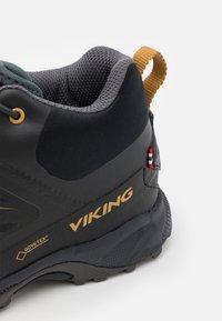 Viking - TIND MID GTX UNISEX - Hiking shoes - black - 5
