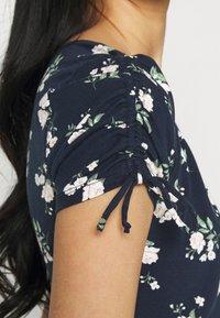 Hollister Co. - DRESS - Vestito di maglina - navy floral - 4