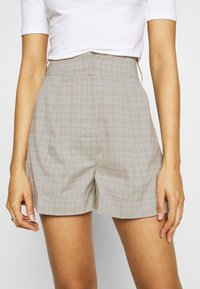 4th & Reckless - REMI  - Shorts - light grey - 3