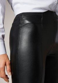 comma - Leggings - Trousers - black - 2