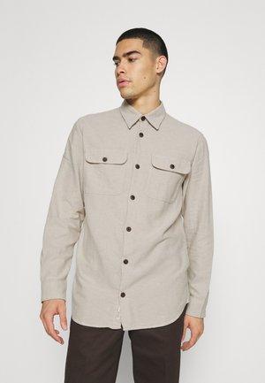 JORDARREN JAXON LS STS - Camisa - crockery