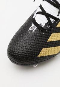 adidas Performance - PREDATOR 20.3 FOOTBALL BOOTS FIRM GROUND - Fußballschuh Nocken - footwera white/gold metallic/core black - 5
