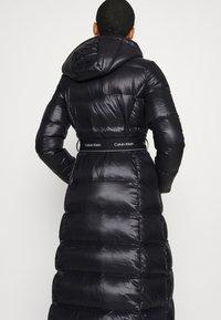 Calvin Klein - LOFTY  BELTED MAXI COAT - Dunkåpe / -frakk - black - 5
