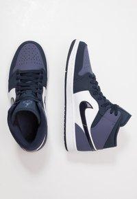 Jordan - AIR JORDAN 1 MID - High-top trainers - obsidian/sanded purple/white - 1