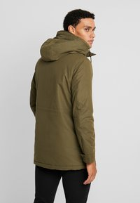 Jack & Jones PREMIUM - JPRWETFORD - Parka - olive night - 2