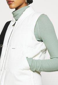 Carhartt WIP - BROOKE VEST - Waistcoat - off-white - 5