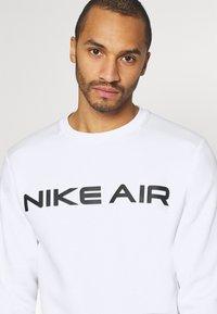 Nike Sportswear - AIR CREW - Sweatshirt - white/photon dust - 3