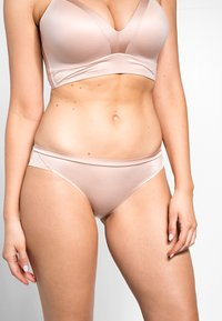 Triumph - BODY MAKE UP SOFT TOUCH TAI - Slip - neutral beige - 0