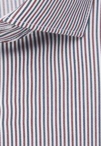 Seidensticker - SLIM FIT - Formal shirt - rot - 5