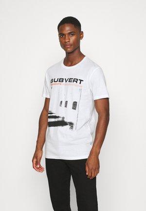 LORENZ - Print T-shirt - white