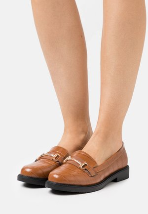 LIBERTY SNAFFLE LOAFER - Loaferit/pistokkaat - tan