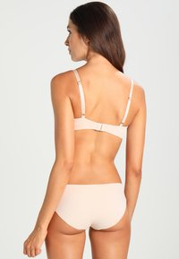 Triumph - MAKE-UP ESSENTIALS MINIMIZER - Shapewear - nude beige - 2