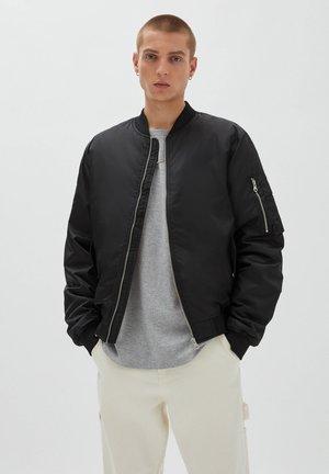 BASIC WATTIERTE  - Light jacket - black