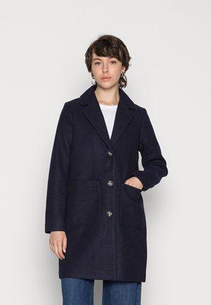 PCCARLI COAT - Short coat - sky captain
