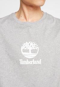 Timberland - STACK LOGO TEE - T-shirt print - medium grey heather - 5