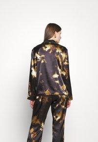 Alexa Chung - PYJAMA - Pyjama top - black/brown - 2