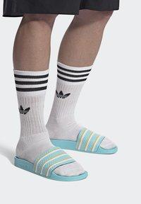 adidas Originals - ADILETTE SLIDES - Pantoffels - blue - 0
