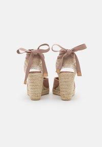 Castañer - JOYCE - Sandály na platformě - dusty pink - 3