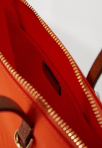 Lauren Ralph Lauren - KEATON TOTE-SMALL - Handtas - sailing orange - 3