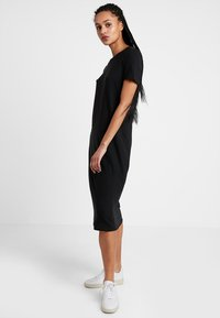 Vero Moda - VMGAVA DRESS - Jerseykjole - black - 1