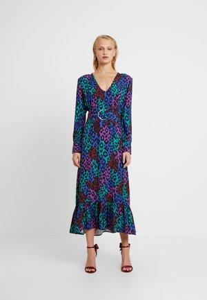 CARLOTTA DRESS - Maxi šaty - dark blue/pink