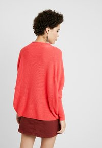 Gerry Weber - PULLOVER ARM - Stickad tröja - rouge red - 2