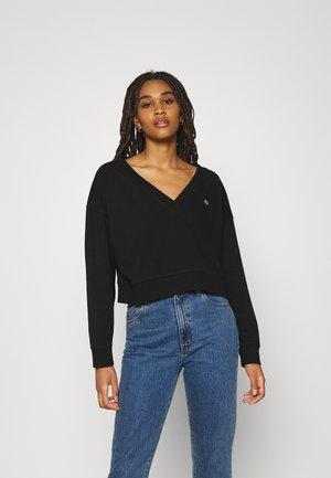 SOFT V NECK - Sweatshirt - black