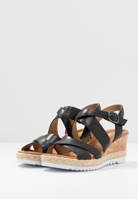 Gabor Comfort - Platform sandals - schwarz - 4